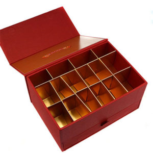 Cardboard Chocolate Gift Paper Packaging Box with Gold Paper Insert and Magnetic Closure