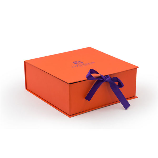 Custom Color Printing Logo Gift Box Packaging Foldable Boxes with Ribbon